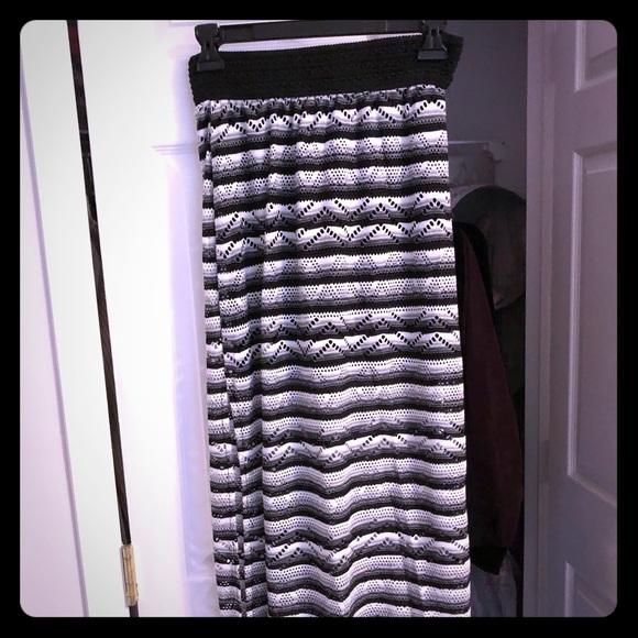 Joe B Dresses & Skirts - Black& White Maxi Skirt!
